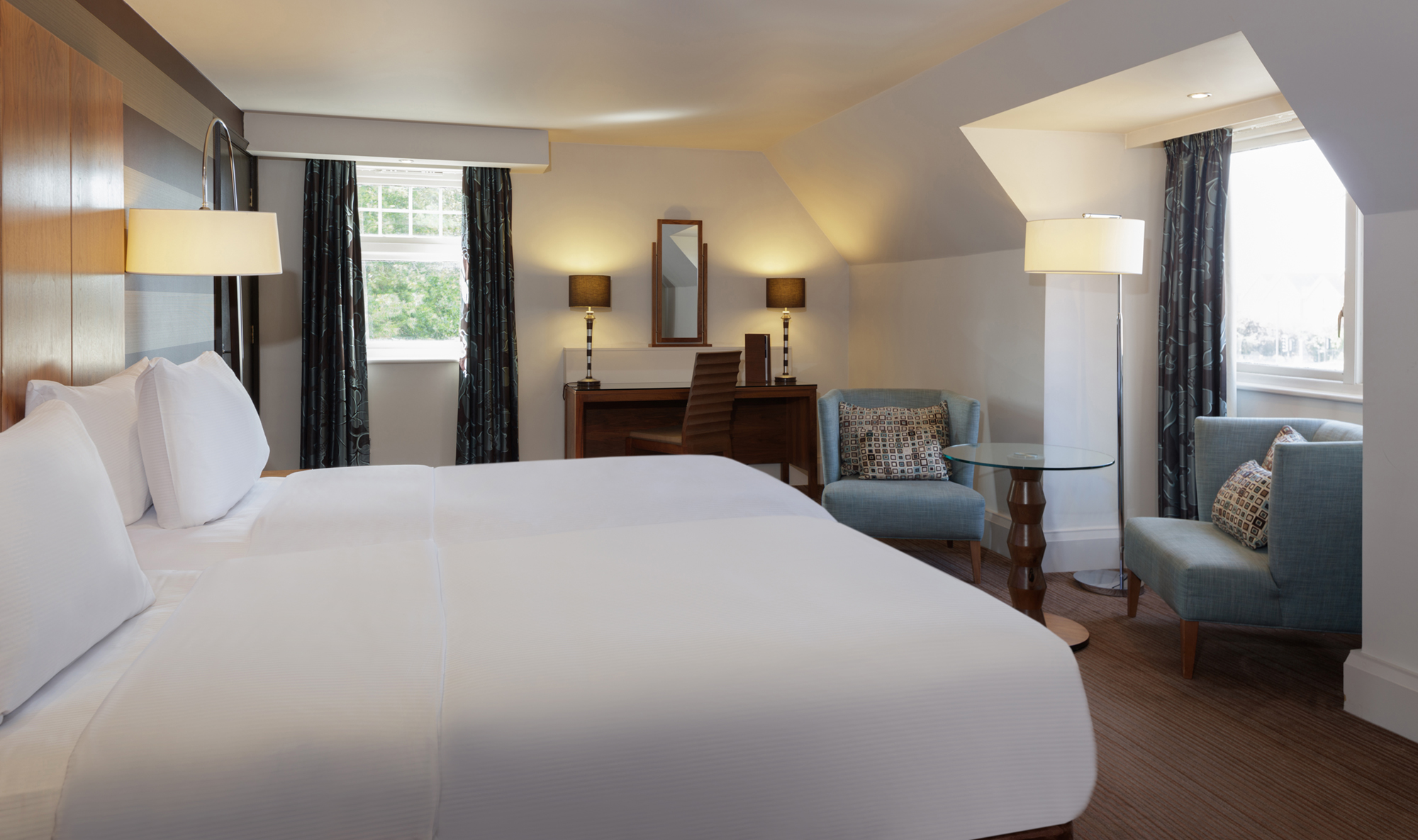 bedroom doubletree by hilton stratford-upon-avon