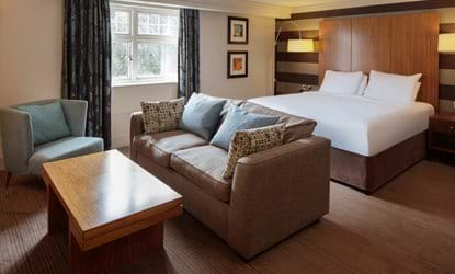 bedroom sofa doubletree by hilton stratford-upon-avon