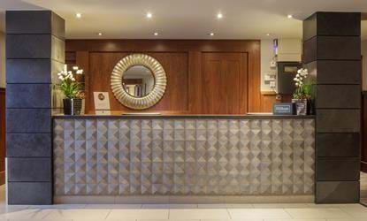 reception area doubletree by hilton stratford-upon-avon